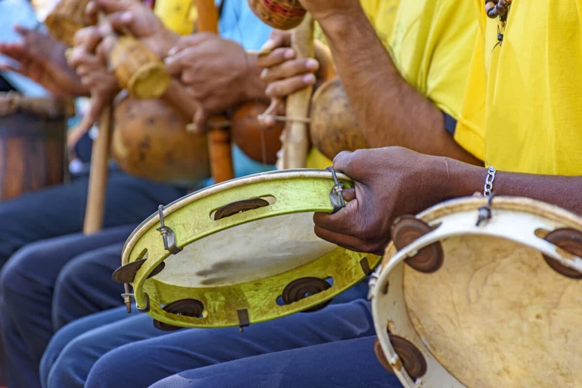 Media Instruments Utilises Regional Capoeira Angola